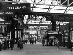 Down the decades: See how Manchester's Victoria Station has changed since the - Manchester Evening News Old Images, Old Pictures, Old Photos, London Manchester, Old London, Bolton England, London History, Local History, Old Train Station