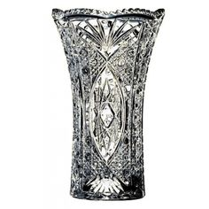 Cristal dArques  Chesnay Vase 22cm.    Fashioned to embody the essence of the royalty of Medieval Europe, the Chesnay Vase makes for a majestic addition to any decor.
