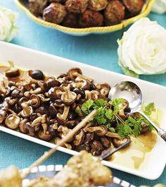 Kuva - Marinoidut sienet Marinated Mushrooms, Stuffed Mushrooms, Bolly Wood, Koti, Finland, Good Food, Blessed, Food And Drink, Beef