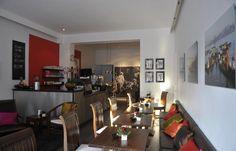 Handoyo's-Sate & Coffee - In dem kleinen Café, nah am Kuhdamm, können kleine Events und Feste gefeiert werden. Die indonesischen Möbel sorgen für eine gemütliche Atmosphäre.