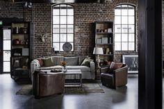 valscrapbook:    elorablue:  Soho Sofa (Image via Home and Cottage)