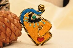 Face brooch / Zipper brooch / Picasso style / by GalleeValley