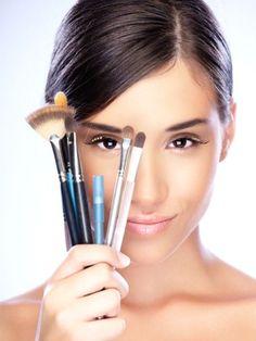 Sie wünschen sich das perfekte Make-up, aber irgendwie will es nicht so richtig gelingen? Vielleicht helfen Ihnen ja unsere Tricks