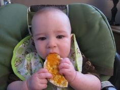 Baby Led Feeding tips, love the purée on toast and rice cake tip