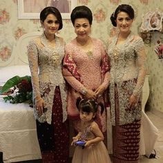 1000 Images About Kebaya On Pinterest Kebaya Brokat