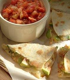 Quesadillas with Mexican Cheese and Fresh Figs Fig Recipes, Mexican Cheese, Fresh Figs, Quesadillas, Yummy Treats, Sandwiches, Healthy Eating, Tasty, Favorite Recipes