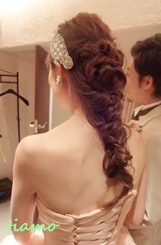 柔らかルーズな3スタイルのhappy wedding day♪  大人可愛いブライダルヘアメイク『tiamo』の結婚カタログ