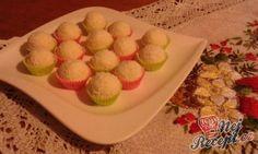 Vánoční bonbony z kokosu | NejRecept.cz Muffin, Breakfast, Food, Cakes, Candy, Chocolate Candies, Morning Coffee, Muffins, Meal