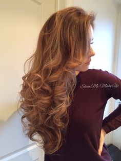 My curly wurly hair today! I used my Babyliss 'Dial A Heat' 32mm tong to achieve this style. How to: • Spritz your hair with a heat protectant spray. • Set your tong to the correct heat setting for...