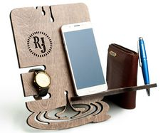 Iphone Holder, Smartphone Holder, Personalised Gifts For Him, Customized Gifts, Iphone 5s, Iphone Docking Station, Wooden Desk Organizer, Best Boyfriend Gifts, Christmas Gifts For Men