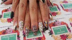 f/Sunshine Nails & Lounge Boutique