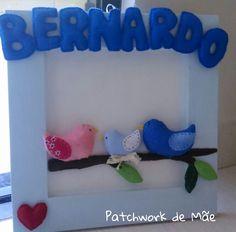 Guirlanda de porta. Bebê. Bernardo. Letras em feltro, passarinhos em tecido. Patchwork de Mãe