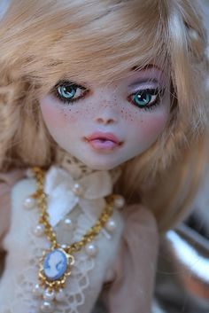Monster High Lagoona Blue repainted by Brandiwine | Flickr - Photo Sharing
