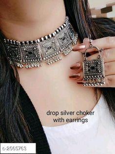 Indian Jewelry Earrings, Indian Jewelry Sets, Silver Jewellery Indian, Jewelry Design Earrings, Indian Jewellery Design, Ear Jewelry, Necklace Designs, Jewelery, Macrame Earrings