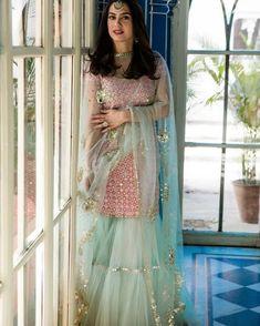 Sharara designs - Trendy Sharara & Gharara Sets that will make you go sharara sharara Indian Party Wear, Indian Wedding Outfits, Bridal Outfits, Indian Outfits, Bridal Dresses, Indian Wear, Gharara Designs, Kurti Designs Party Wear, Lehenga Designs