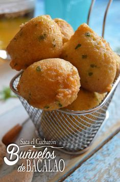 Spanish Cuisine, Spanish Dishes, Spanish Tapas, Beignets, Fish Recipes, Healthy Recipes, Dominican Food, Puerto Rican Recipes, Fritters