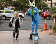 Street performers in Las Vegas