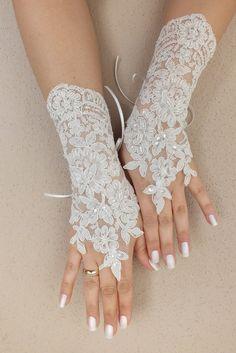 Wedding Glove, ivory lace gloves, Fingerless Glove, ivory wedding gown, UNIQUE Bridal glove, wedding bride, bridal gloves, FREE SHIP