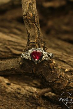 Unusual branch engagement ring with heart by WeddingRingsStore. Twig and leaves engagement ring, Unique tree bark ring, Woman's engagement ring with heart stone #silverring #jewelry #vintagering #weddingring Wedding Rings Rose Gold, Wedding Ring Bands, Gold Wedding, Leaf Engagement Ring, Silver Engagement Rings, Women's Rings, Boho Rings, Boho Jewelry, Handmade Jewelry
