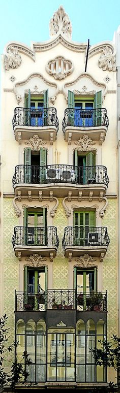 Catalan balconies in Barcelona - Gran de Gràcia 023 Beautiful Architecture, Beautiful Buildings, Art And Architecture, Architecture Details, Beautiful Homes, Wonderful Places, Beautiful Places, Hotel W, Barcelona Catalonia