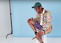 Travis Scott - Grey by l. Travis Scott Shirt, Travis Scott Fashion, Rihanna, Beyonce, Hip Hop Fashion, Mens Fashion, Tyler The Creator, Chris Brown, Good Music