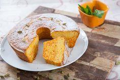 Receita de bolo de cenoura com cardamomo. Descubra como preparar esta receita de bolo de cenoura de maneira prática e deliciosa com a TeleCulinária!