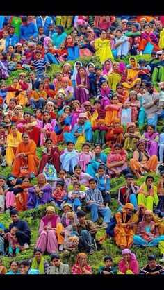 The colours of India! If colors are what you are looking for, don't go any further than India! True Colors, All The Colors, Vibrant Colors, We Are The World, People Of The World, World Of Color, Color Of Life, Indian Colours, Amazing India