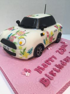Mini Cooper Cake emulating the original car with flowers - Dec 2015