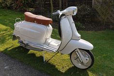 Lambretta Li - Amazingly restored by my brother in law Franny Murphy - attempt at a restoration project and the outcome is - Cannot be faulted in anyway - Great job! Retro Scooter, Lambretta Scooter, Vespa Scooters, Motor Scooters, Sidecar, Chopper, Motorbikes, Restoration, Cycling