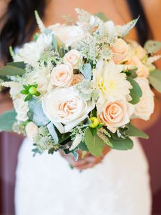 Beautiful shot by Ashlee of Taylor-Barns Photography of these delicate peach & ivory flowers from Rachel at The Rose Shed