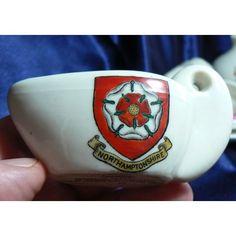 Goss Crested China Caerleon Lamp - Northamptonshire Crest