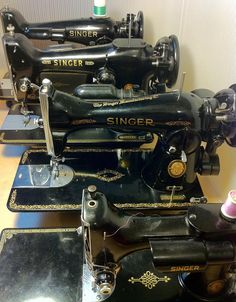 The Vintage Singer Sewing Machine Blog: Screwdrivers, Part 2: Removing Your Needle Plate and Feed Dogs