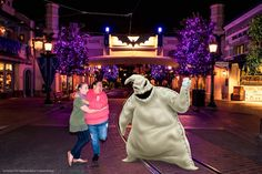 Roll the dice and visit a roaming PhotoPass photographer on Buena Vista Street to take an Oogie Boogie Magic Shot!* Chances are this sinister photo will raise your spirits! Just be sure to ask the photographer you visit for this Magic Shot. Disney Parks, Walt Disney, Disney Sayings, Disney Photo Pass, Disney California Adventure Park, Disneyland Halloween, Oogie Boogie, Disney Posters, Disney Dreams