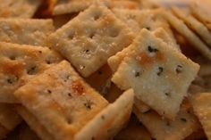 Ranch Garlic Dill Snack Crackers With Ranch Dressing Mix, Dill Weed, Garlic Powder, Vegetable Oil, Crackers Yummy Snacks, Snack Recipes, Cooking Recipes, Yummy Food, Healthy Food, Savory Snacks, Dill Crackers Recipe, Ranch Crackers, Fire Crackers