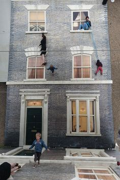 """Dalston House"" Illusion by Leandro Erlich in London (8 Pictures)"