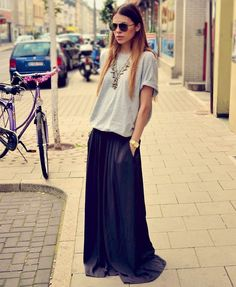 street fashion, statement necklaces, maxiskirt, long skirts, summer outfits, street styles, blues, black, maxi skirts