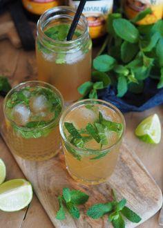 Ingefærøl mojito – Sesongens friskeste drink! Mojito, Beverages, Drinks, Moscow Mule Mugs, Cantaloupe, Juice, Herbs, Fruit, Tableware