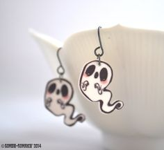 Hey, I found this really awesome Etsy listing at https://www.etsy.com/listing/171064414/spooky-little-glitter-ghost-earrings