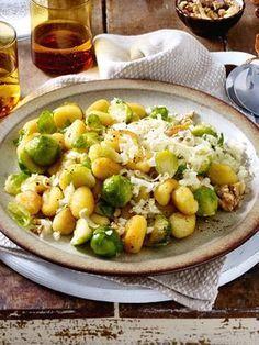 Dieses Gericht ist genau das Richtige für Rosenkohl-Fans: Es ist schnell gemacht und schmeckt super lecker!