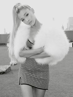 Ariana Grande - Black and white photography Ariana Grande Fotos, Ariana Grande Outfits, Ariana Grande Pictures, Ariana Grande Body, Photo Star, Bae, Ariana Grande Wallpaper, Dangerous Woman, Celebrity Outfits