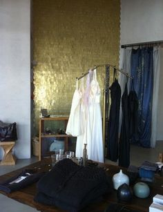 Erica Tanov Gold Wall Interior photo: Remodelista