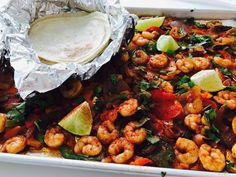 30 Minute One Sheet Pan Shrimp Fajitas Family Dinner Recipe - so quick, easy and absolutely delicious - via Dreaming in DIY