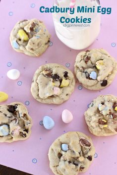 Cadbury Mini Egg Cookies - An Easter time favorite candy plus a chocolate chip cookie all in one! These Cadbury Mini Egg Cookies deserve to be devoured at all your spring celebrations! No Egg Desserts, Desserts Ostern, Holiday Desserts, Holiday Baking, Christmas Baking, Delicious Desserts, Dessert Recipes, Easy Easter Desserts, Mini Egg Recipes