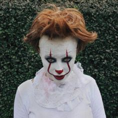 Easy Halloween Makeup Ideas - Halloween Ideas - Are you ready to create fear and surprise in this year's Halloween? Need some good Makeup ideas? Easy Halloween, Halloween Makeup, Halloween Costumes, Home Decor Paintings, Easy Paintings, Artwork For Home, Home Art, Fashion Star, Photo 3d