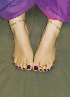 Pretty Toe Nails, Pretty Toes, Feet Soles, Women's Feet, Nice Toes, Foot Pics, Tan Body, Soft Feet, Black Toe