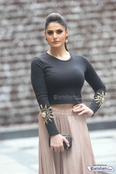 Zareen Khan gallery HD picture # 6 : glamsham.com
