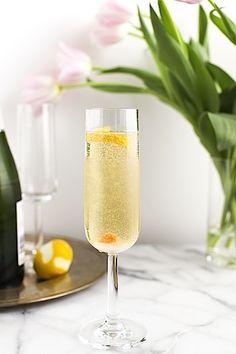 5 cocktails à base de champagne http://ellemlamode.com/2013/08/5-cocktails-au-champagne-pour-une-touche-de-chic-dans-votre-quotidien/