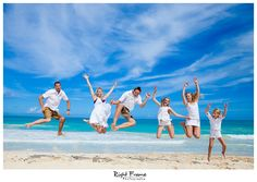 www.rightframe.net – Oahu family portrait photography at Waimanalo Beach, Hawaii.honolulu, family, photography, beach, portrait, portraits, ideas, idea, waikiki, honolulu, hawaii, hawaiian, couple, families, photo, pictures, photos, pose, holiday, vacation, poses, posing, session, kids, kid, bellows, white, blue, ocean.