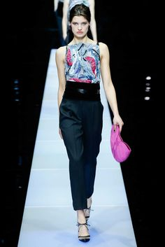 Giorgio Armani Fall 2015 Ready-to-Wear Collection Photos - Vogue