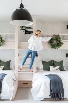 Studio McGee ( built in bunk room Bunk Bed Rooms, Bunk Beds Built In, Kids Bunk Beds, Boys Bunk Bed Room Ideas, Queen Bunk Beds, Twin Bunk Beds, Bed Ideas, Home Bedroom, Girls Bedroom
